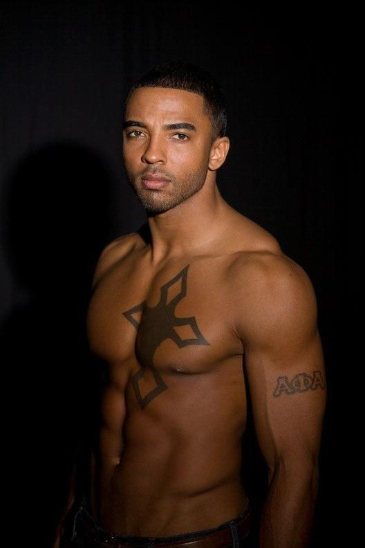 male nude kick boxing