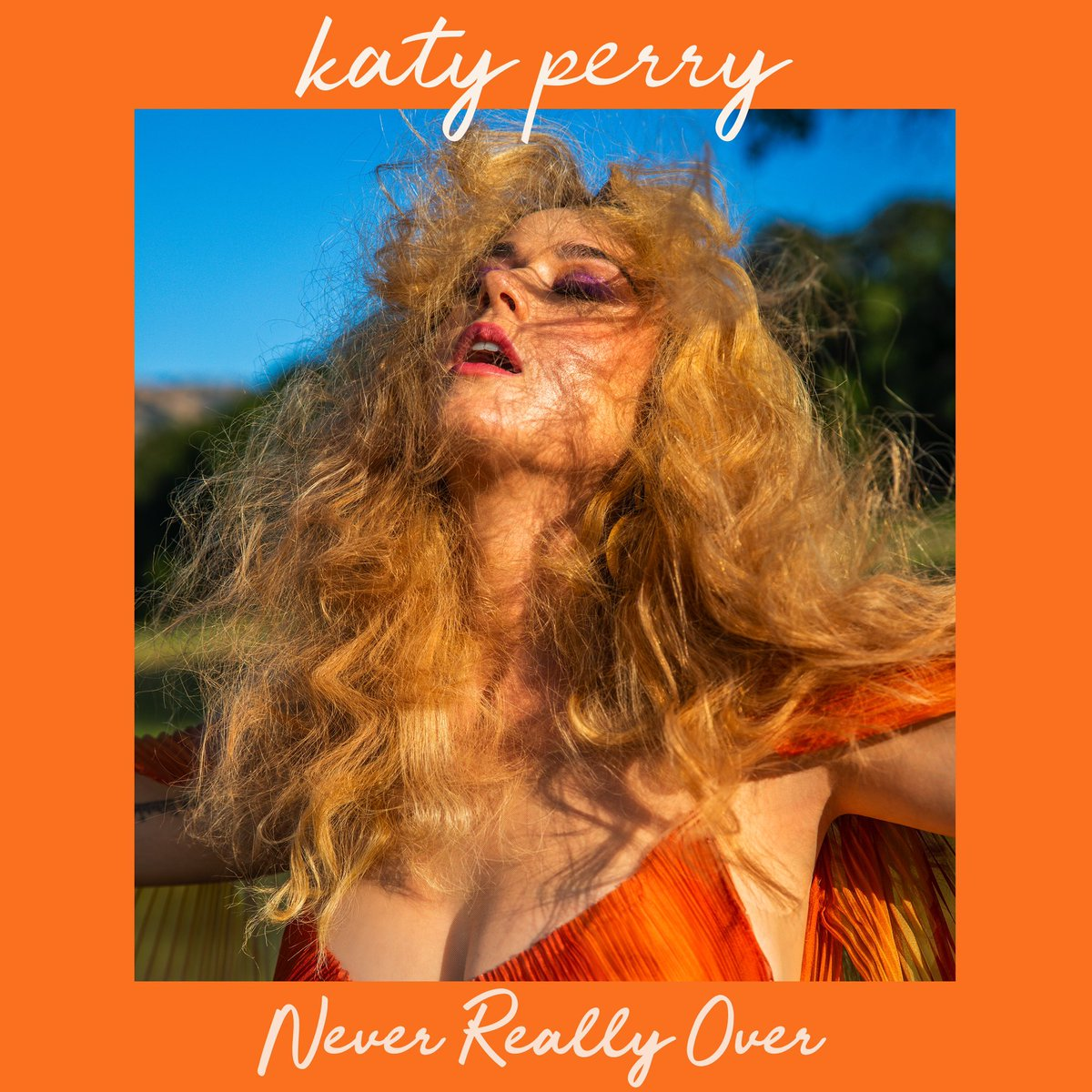 ¡Katy Perry está de vuelta! con su nuevo tema: 'Never Really Over'