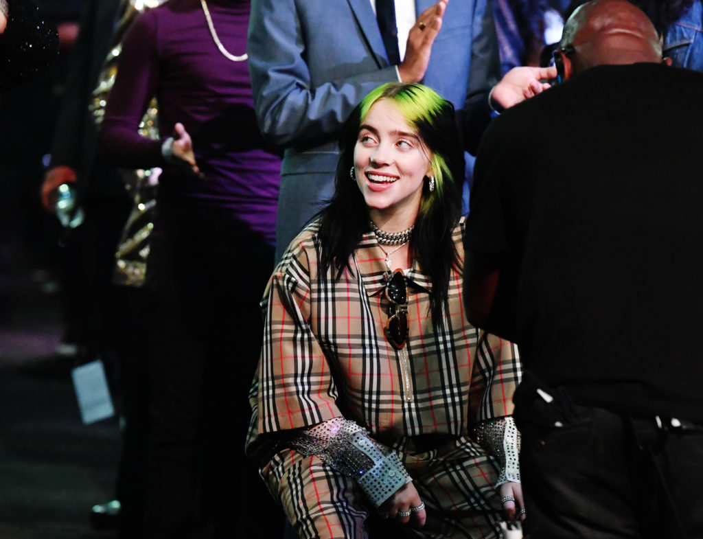 Billie Eilish cantará el nuevo tema de James Bond