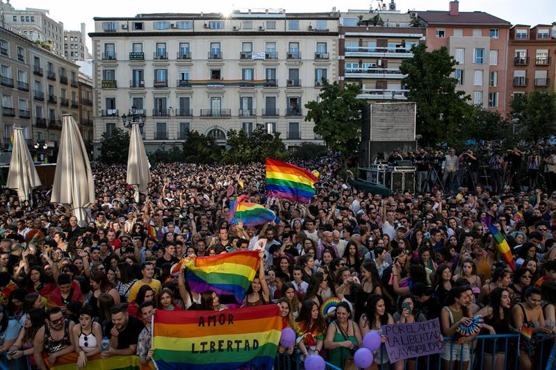 Concentración en Madrid contra el PIN parental