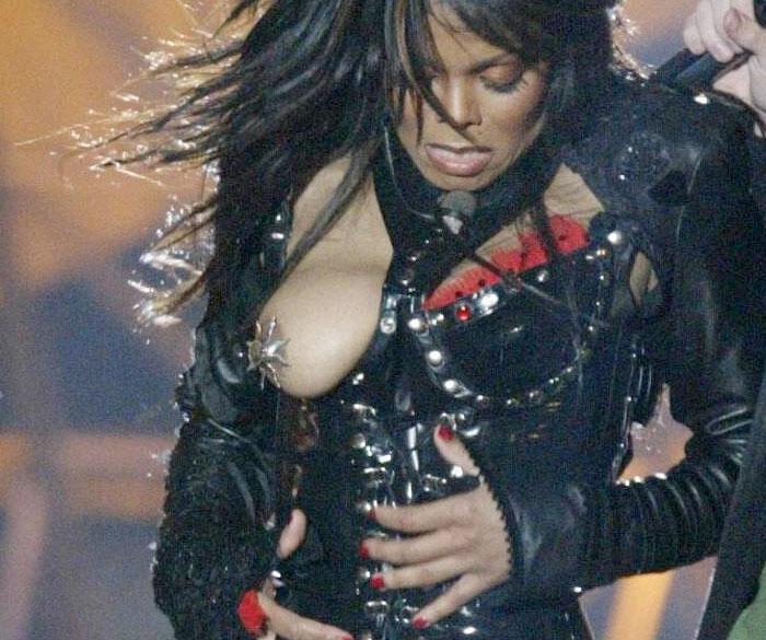 Janet jackson atrapada desnuda