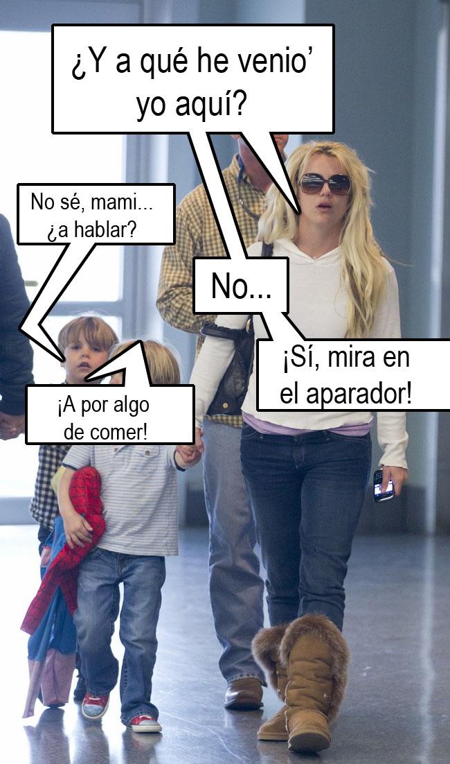 Britney lanza una superbowl desnuda