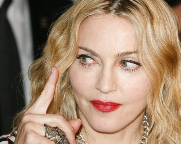 Aqu est el setlist de la super bowl de madonna cromosomax for Follando en la piscina gay